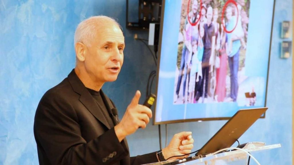 Post image - Dr. Daniel Amen Discusses Healthy Attachments